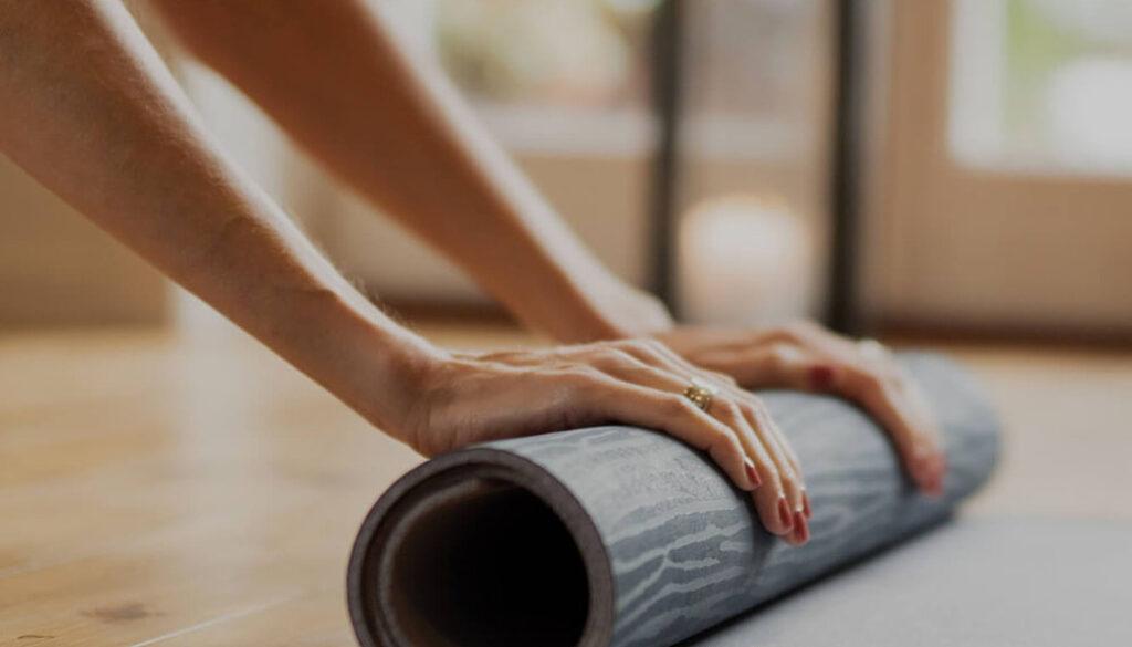 rulla-ut-yogamattan